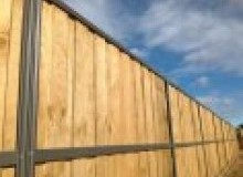 Kwikfynd Lap and Cap Timber Fencing dombarton